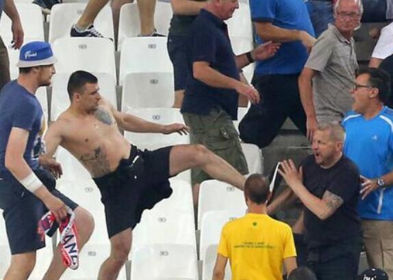 英格兰和俄罗斯球迷在2016年欧洲杯上曾爆发冲突