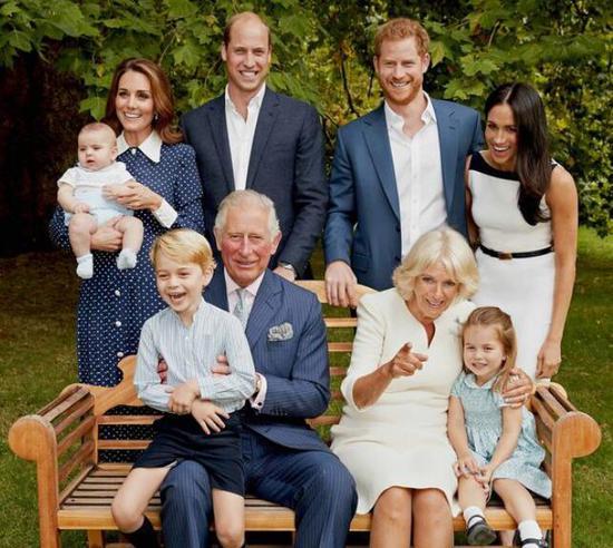 查尔斯王子及其家人(图源:克拉伦斯宫)